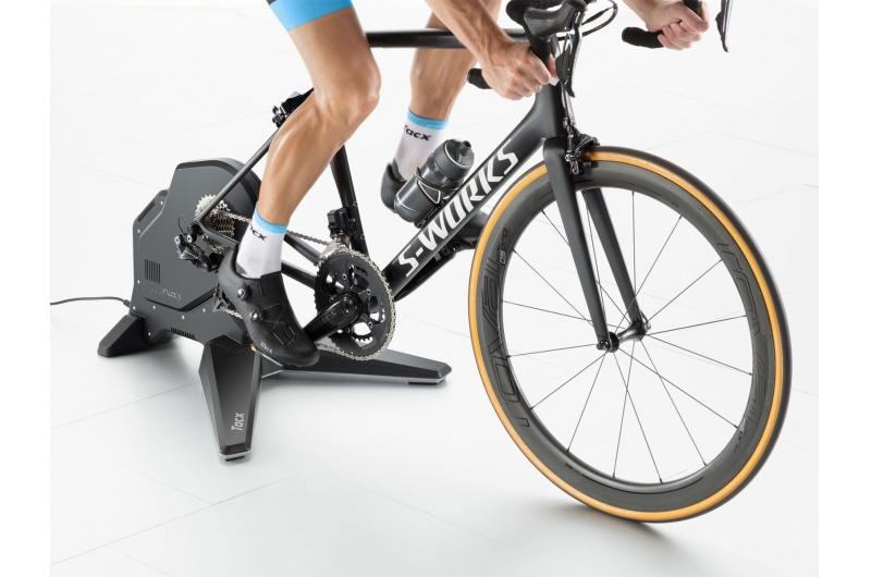 TACX Cyklotrenažér S2900 Flux S Smart černá